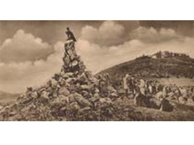 Errichtung des Fliegerdenkmals